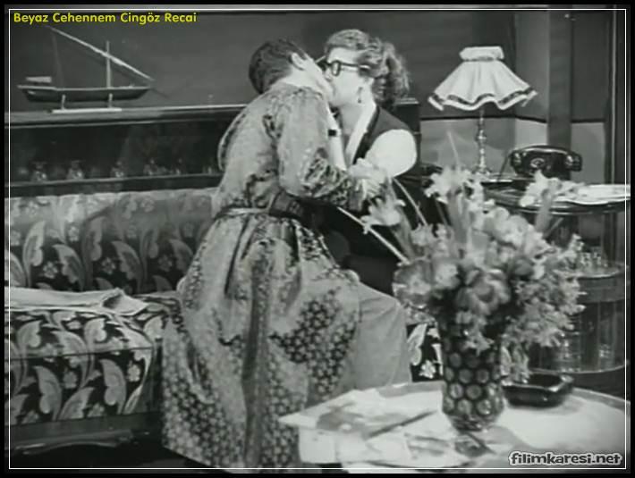 Beyaz Cehennem Cingöz Recai, Metin Erksan,1954,Türk filmi, Turan Seyfioğlu, Cingöz Recai karakteri,Neriman Köksal,Mesude Özkılıç,Peyami Safa,Siyah-beyaz,90 Dak.,Avni Dilligil,Pola Morelli,Yeşilçam,Nostalji,Türk Filmi,Türkçe